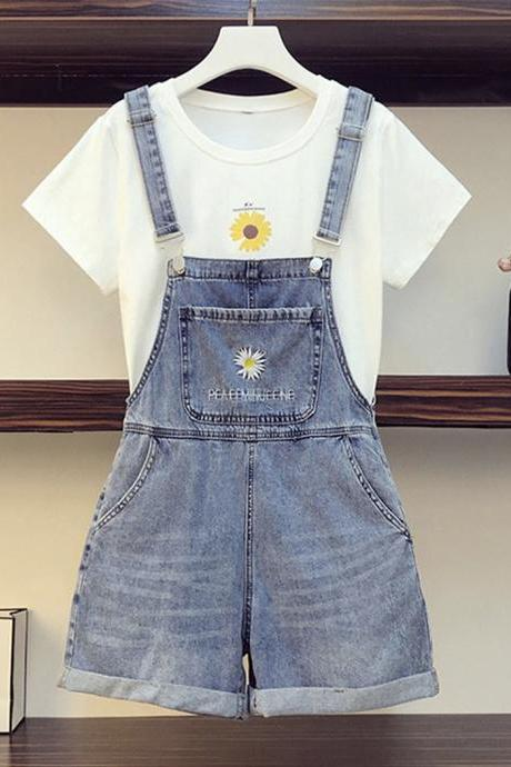 Cute little daisy T-shirt + denim strap shorts