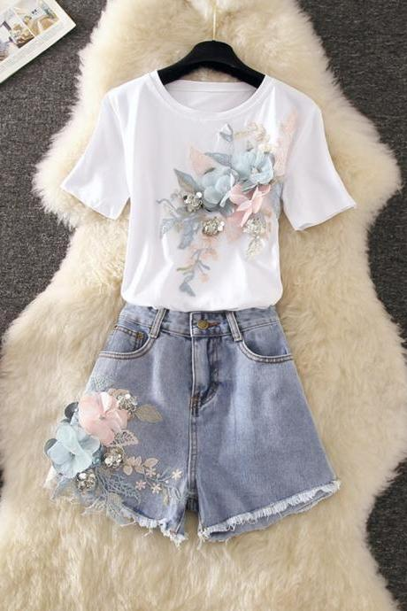 Cute three-dimensional flower short-sleeved T-shirt + denim shorts