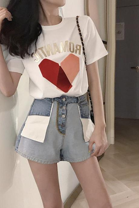 Cute heart short-sleeved T-shirt + denim shorts