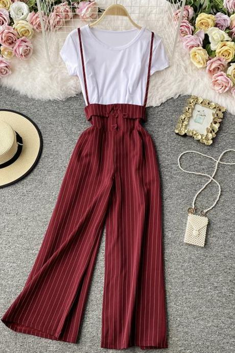 Simple white T-shirt + striped wide-leg pants