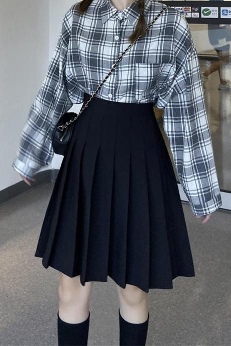 Cute black pleated skirt