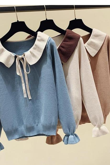 Sweet long-sleeved knitted sweater