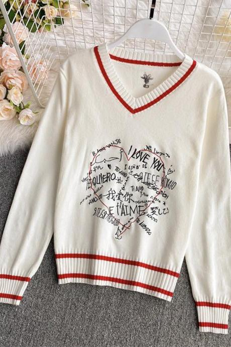 Sweater long sleeve multilingual 'I love you' sweater