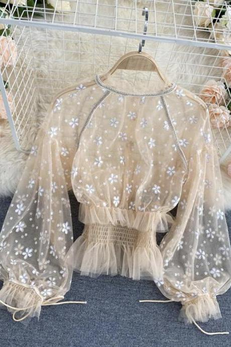 Sweet puff sleeve tulle top