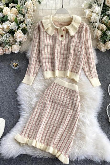 Cute knitted two-piece suit