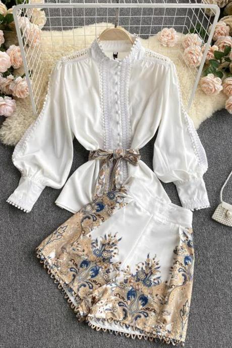 Stylish white floral two pieces sets