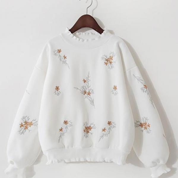 Cute embroidered long-sleeved T shirt